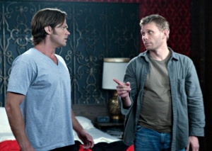 Jared Padalecki as Sam, Mark Pellegrino as Nick / Lucifer. Photo: Jack Rowand/The CW ©2009